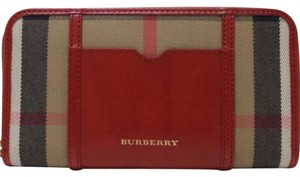 Burberry House Check Large Ziggy Zip Around Clutch