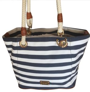 Michael Kors Tote in white and blue