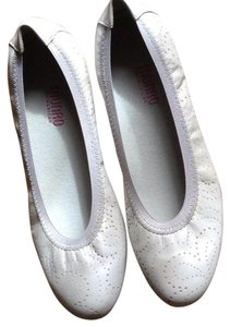 Munro American Light gray Flats