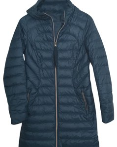 Lululemon 1x A lady down jacket