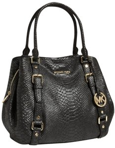 Michael Kors Lg Mk Bedford Python Mk Black Bedford Black Large Bedford Black Satchel in Black/Gold hardware