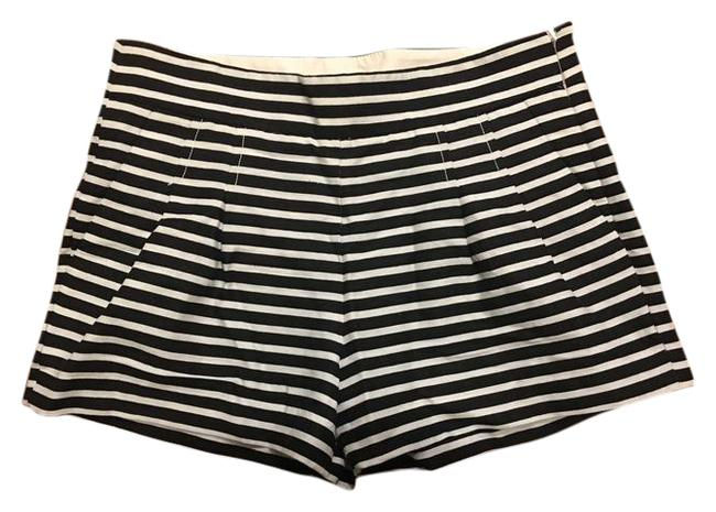 Item - Black and White Stripes Pleated Cotton & Linen Shorts Size 4 (S, 27)