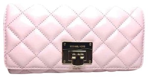 Michael Kors MK Astrid Blossom Pink Quilted wallet