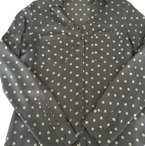 Express Top Light gray with white polka dots