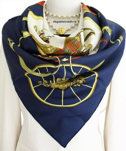 Her ~FINAL SALE~ Auth. Hermes Paris Scarf