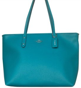 Coach New With Tags Nwt Tote in Turquoise