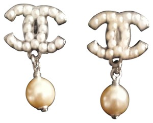 Chanel Vintage pearl Chanel earrings