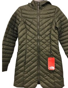 82ec33f5d The North Face Forest Green Karokora Compressible Water Resistant Down  Parka Coat Size 2 (XS) 44% off retail