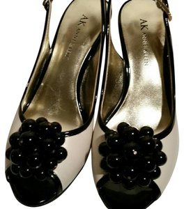 Anne Klein Cream/black Mules