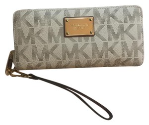 Michael Kors MICHAEL Michael Kors Jet Set Item Travel Continental Wallet