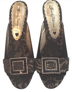 Beverly Feldman black and gold Wedges