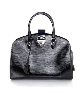 Louis Vuitton Electric Epi Leather Neuf Gm Tote in Black