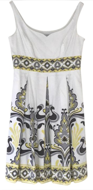 Item - White with Gray and Butter Yellow 58142 Short Casual Dress Size 14 (L)