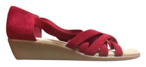 G.H. Bass & Co. Sunjuns Strappy Red Sandals