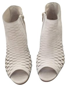 Paul Green Suede Leather Off White Pumps