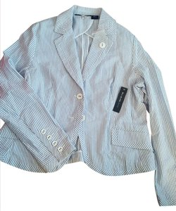 Bill Blass Sweet shorts suit, pants are size 8 jacket is a large.
