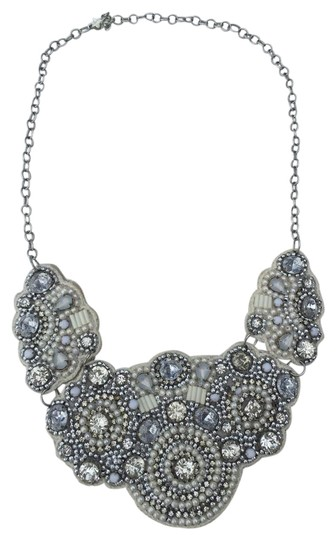 Preload https://img-static.tradesy.com/item/20811632/h-and-m-off-white-bib-necklace-0-1-540-540.jpg