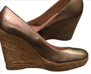 Enzo Angiolini gold Wedges