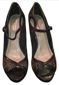 Tahari multi Pumps