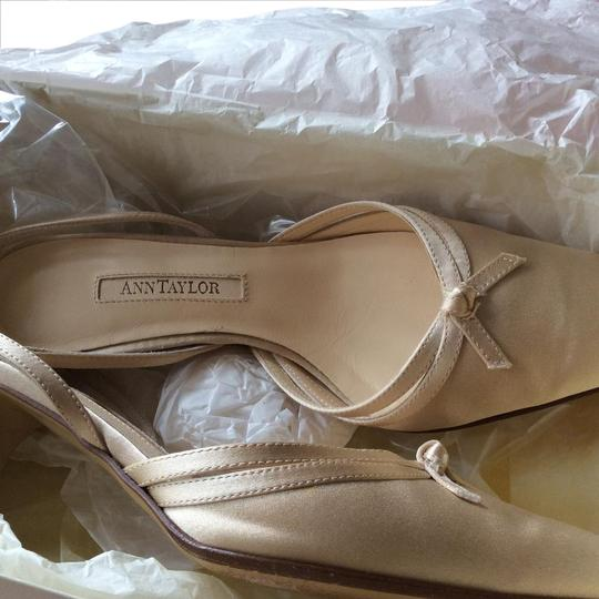 Preload https://img-static.tradesy.com/item/20813287/ann-taylor-champagne-satin-kimberly-formal-shoes-size-us-55-regular-m-b-0-2-540-540.jpg