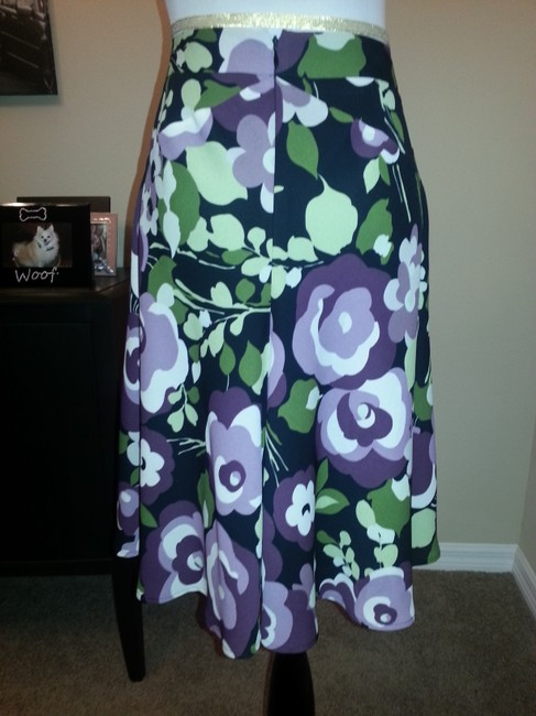 Ann Taylor LOFT Feminine Comfortable Complete Outfit Perfect Top Avail For Skirt purple and floral