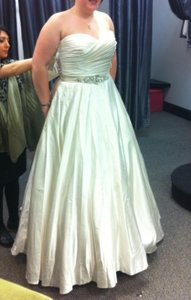 8919 Wedding Dress