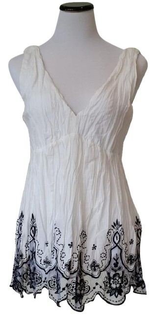 Preload https://img-static.tradesy.com/item/20815010/sele-white-grecian-with-embroidered-flowers-at-the-bottom-of-dress-0-2-650-650.jpg