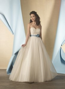 Alfred Angelo 2446 Wedding Dress