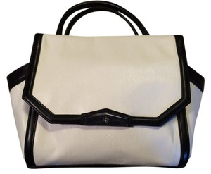 Vera Bags Purses Up To 70 Off
