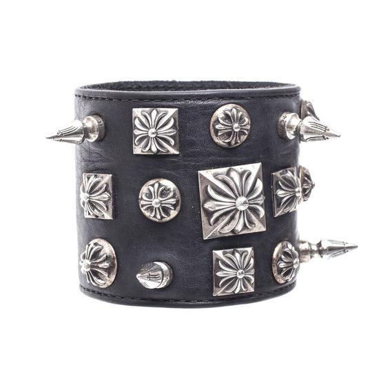 Preload https://img-static.tradesy.com/item/20815628/chrome-hearts-blacksilver-disheveled-leather-one-size-bracelet-0-0-540-540.jpg