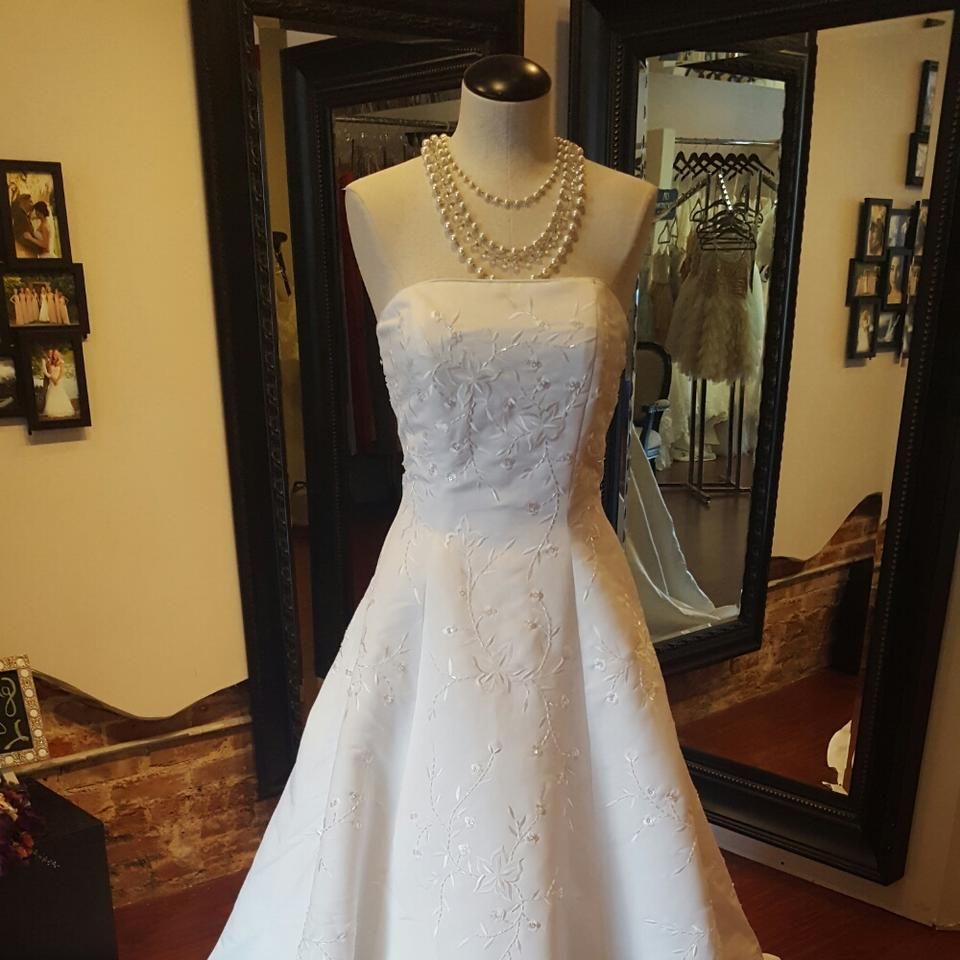 White Store Sample Gown Casual Wedding Dress Size 8 (M) - Tradesy