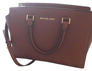 Michael Kors Satchel in luggage brown