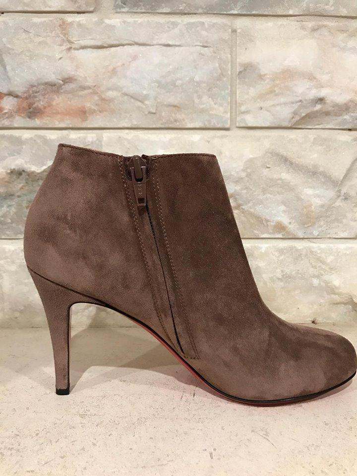 the latest b2730 297d0 Christian Louboutin Brown Belle 85 Chatain Suede Zipper Heel 37  Boots/Booties Size US 7 Regular (M, B) 39% off retail