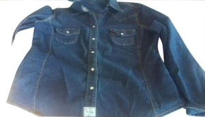 Levi's Cute Chic Stretch Cool Girl Fully Fashioned Button Down Shirt