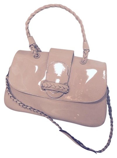 Preload https://item5.tradesy.com/images/valentino-with-braided-handle-strap-nude-patent-leather-shoulder-bag-20818899-0-3.jpg?width=440&height=440