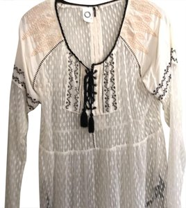 akemi + kin Top sheer off white with beige and black embroidery
