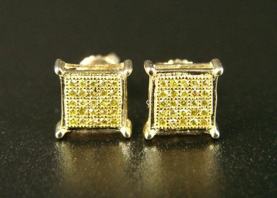 Other Mens/Ladies Canary On Yellow Gold Diamond Stud Earrings