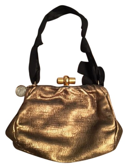 Preload https://item3.tradesy.com/images/lanvin-evening-gold-and-black-heavyweight-fabric-shoulder-bag-20820257-0-1.jpg?width=440&height=440