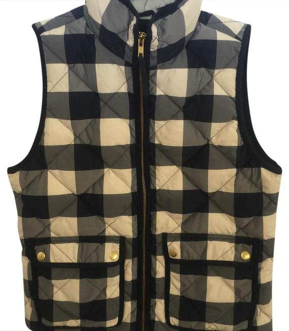 Preload https://item2.tradesy.com/images/jcrew-navy-and-beige-excursion-quilted-in-buffalo-check-vest-size-0-xs-20820326-0-1.jpg?width=400&height=650