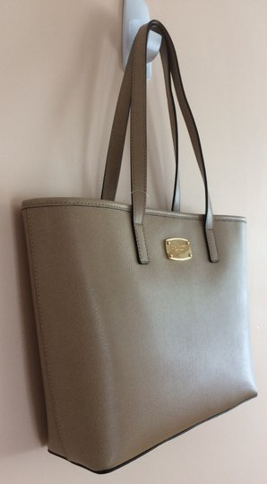 Michael Kors Small Travel Set Leather Tote in Duck Camel
