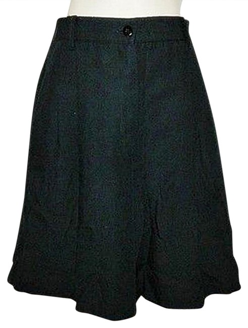 Preload https://item4.tradesy.com/images/sag-harbor-black-pleated-dress-bermuda-shorts-size-10-m-31-20821178-0-1.jpg?width=400&height=650