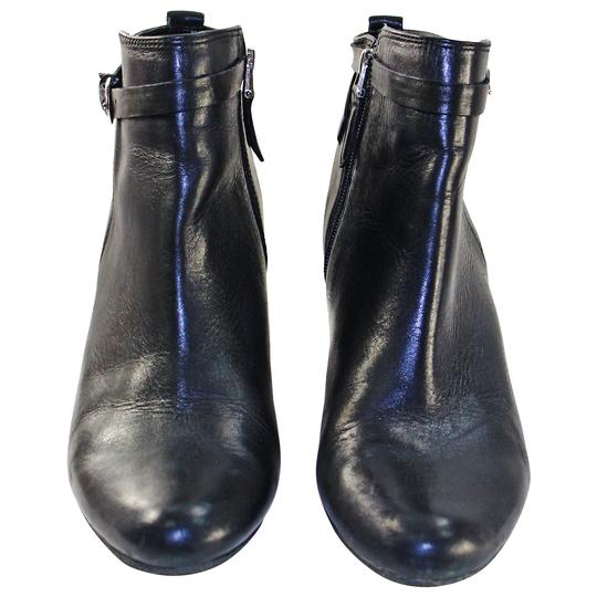 Preload https://item4.tradesy.com/images/sam-edelman-black-pre-owned-maddox-leather-ankle-bootsbooties-size-us-9-regular-m-b-20821233-0-0.jpg?width=440&height=440