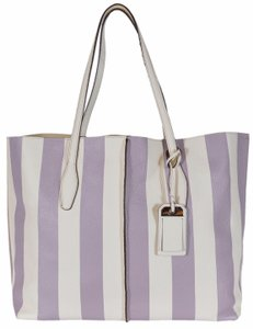 Tod's Leather Handbag Tote in Multi-Color