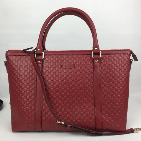 Preload https://img-static.tradesy.com/item/20821245/gucci-leather-with-strap-red-satchel-0-3-540-540.jpg