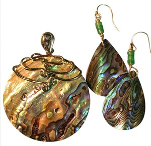 Other Abalone necklace pendant and earrings