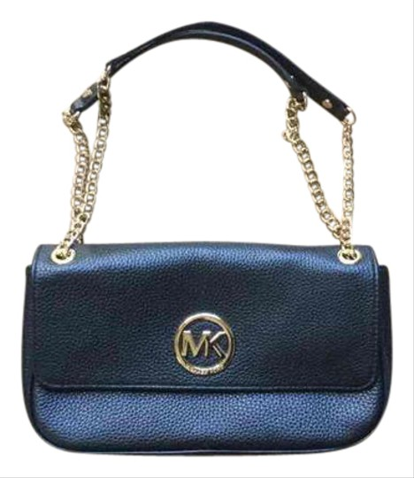 Preload https://img-static.tradesy.com/item/20821618/michael-kors-fulton-small-black-leather-shoulder-bag-0-1-540-540.jpg