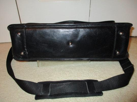 Passchal black Messenger Bag