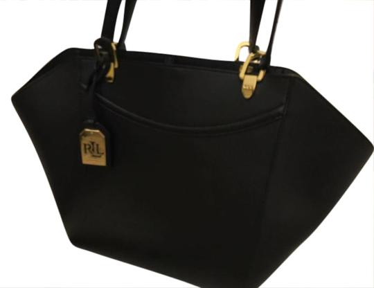 Preload https://img-static.tradesy.com/item/20822220/ralph-lauren-black-label-bucket-style-with-a-hook-for-closure-genuine-leather-shoulder-bag-0-1-540-540.jpg
