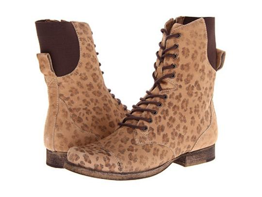 Preload https://item4.tradesy.com/images/matisse-leopard-crypt-bootsbooties-size-us-7-regular-m-b-20822448-0-0.jpg?width=440&height=440
