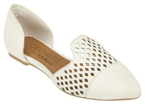 Coconuts by Matisse Perforated white Flats